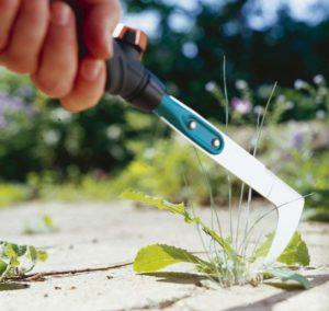 инструмент для удаления травы с корнем