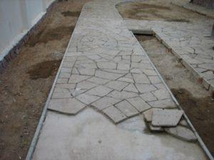 уклатка плитняка на бетон