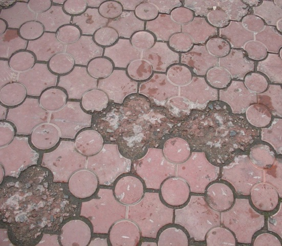 вибролитая плитка после эксплуатации