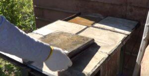 изъятие плитки из форм